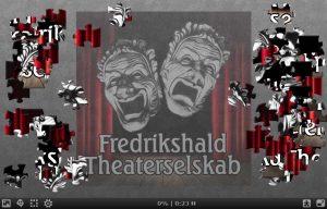 Fredrikshald Theaterselskabs kvadratiske logo som puslespill